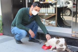Tügva Yalova sokak hayvanlarını unutmadı.