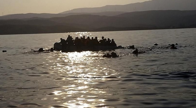 Tunus'ta teknenin batması sonucu en az 20 kişi öldü