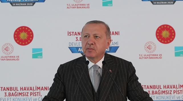 """Erdoğan, """"Maske, mesafe, temizlik buna dikkat edelim"""