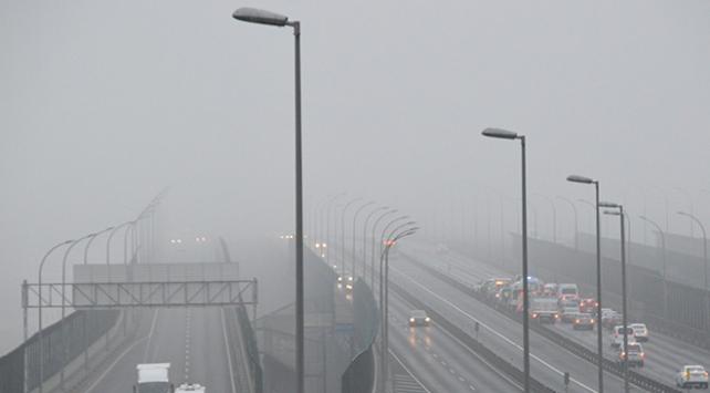İstanbul'da etkili olan sis