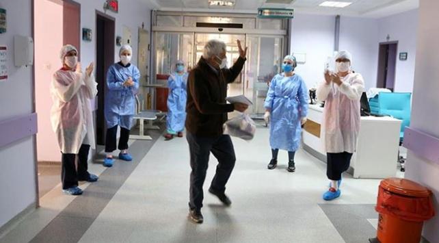 Türkiye'de virüsü yenen hasta sayısı 227 bini aştı