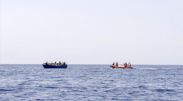 Libya kıyılarında lastik bot alabora oldu: En az 24 ölü