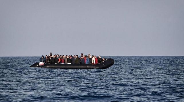 Tunus açıklarında 15 düzensiz göçmen yakalandı