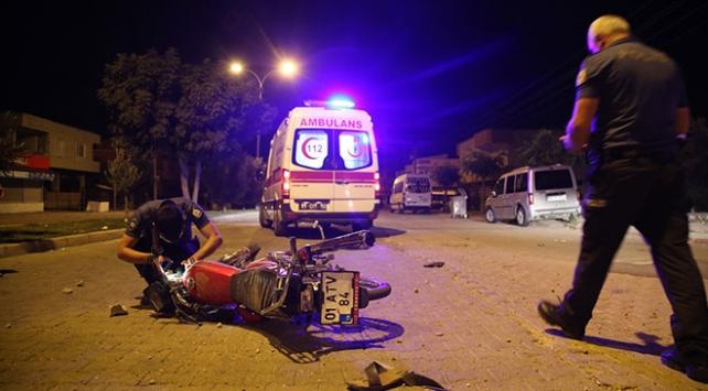 İnşaat molozlarına çarpan motosiklet sürücüsü yaralandı