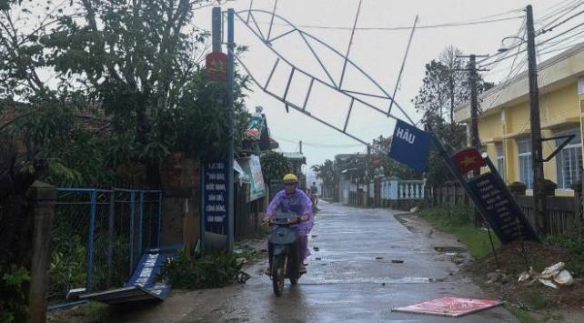 Vietnam'daki Malove tayfununda ölenlerin sayısı 19'a yükseldi