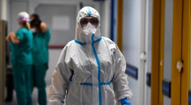 İtalya'da COVID-19 kaynaklı can kaybı 39 bini aştı