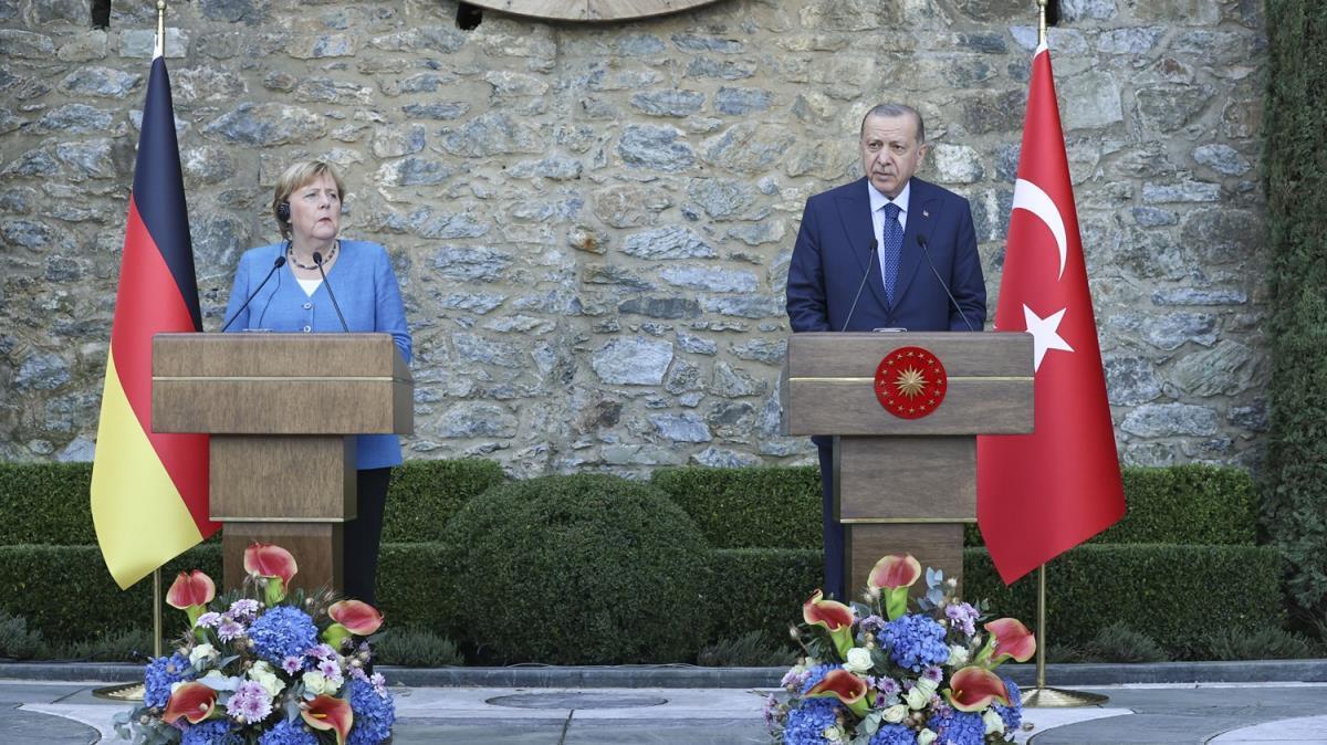 Çıkarılan engellere rağmen Merkel'in çabalarını takdirle hatırlayacağız